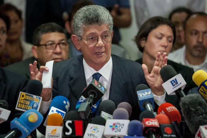 Oposición venezolana celebra informe de OEA que invoca Carta Democrática