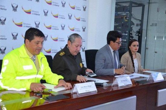 Desarticulan en ecuador presunta banda de lavado de for Ministerio del interior ecuador telefonos