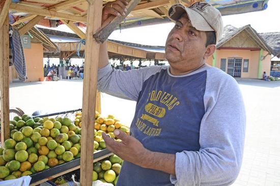 De empresario  a vendedor de frutas tras el terremoto del 16A