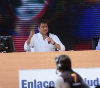 Rafael Correa llegó retrasado a su enlace ciudadano en Manta