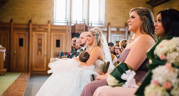 La foto de una novia amamantando a su bebé causa furor en Facebook