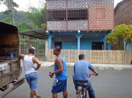 Hombre muere misteriosamente en Portoviejo