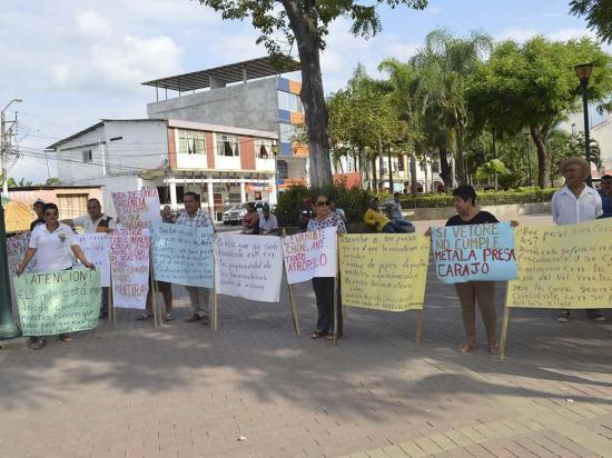 Habitantes de El Vergel reclaman  por obras