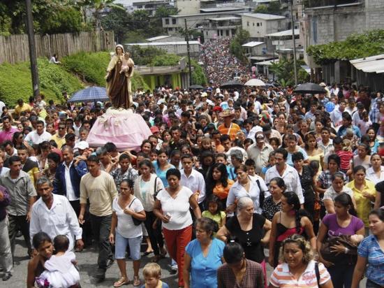 Inician fiestas de la virgen del Carmen
