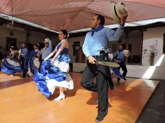 Folclore de las regiones Costa, Sierra y Oriente se mostró en Atocha