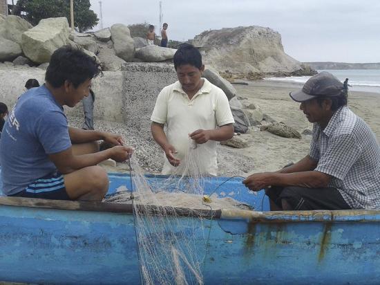 Cambian el arte  de pesca para ir por el camarón