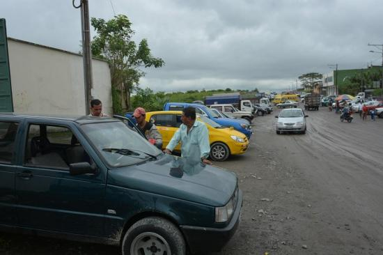 Feria de carros salió a la calle