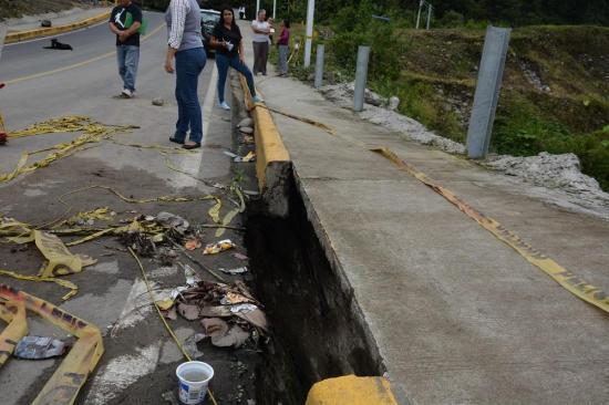Puente Pisotanti presenta daños