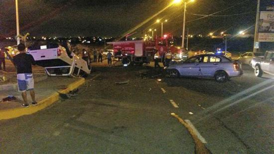 Choque deja cinco heridos en la vía Circunvalación