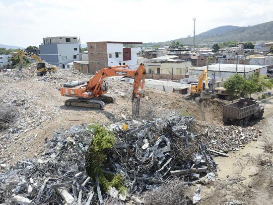 Envían desde España más de cuarenta toneladas de ayuda a Ecuador tras terremoto