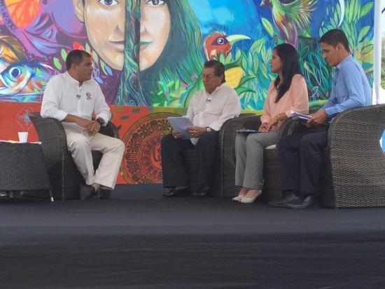 'Se han invertido $200 millones en zonas afectadas por terremoto', dice Correa