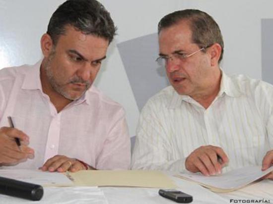 Firman acuerdo para erradicar contrabando en las fronteras