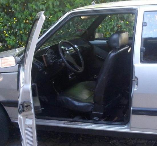 Policía recupera vehículo robado