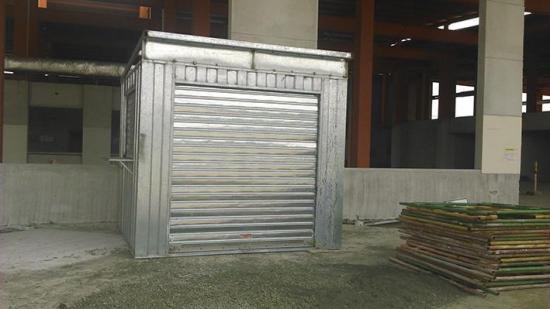 Arman kioskos para los negocios en la terminal terrestre