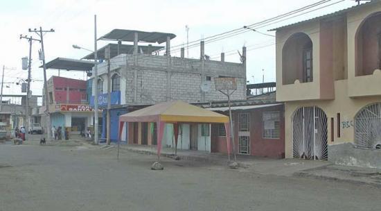 Apagones afectan a moradores de La Pradera