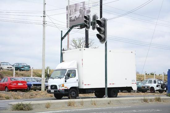 Varios semáforos de vía no funcionan
