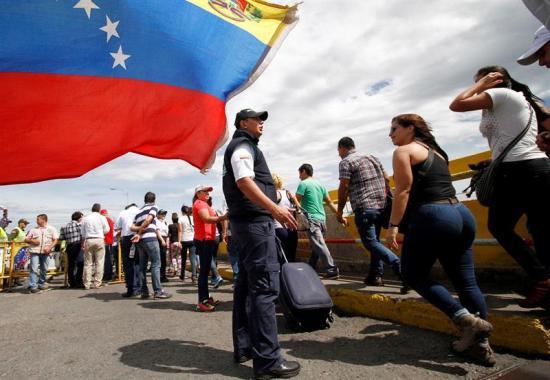 Venezolanos que ingresaron a Colombia por alimentos retornaron sin problemas