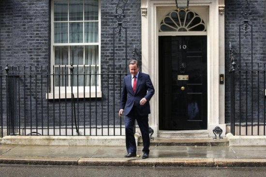 David Cameron presidió una 'emotiva' última reunión de su Gobierno