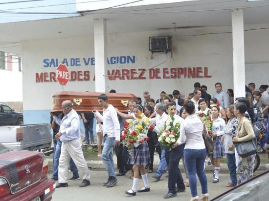 """Familiares  le dan el último adiós a """"Miguelito"""""""