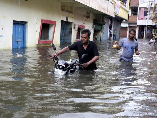 Lluvias dejan al menos 24 fallecidos