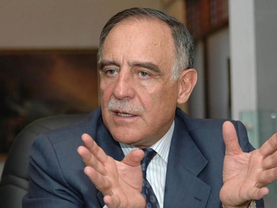 Paco Moncayo es nominado precandidato