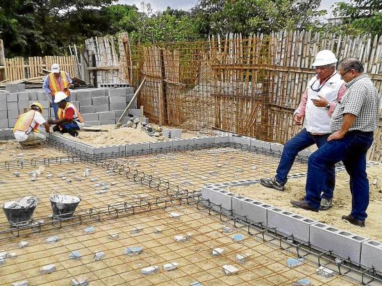 Se reúnen para dar viviendas a afectados por el terremoto
