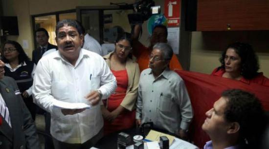 Unidad Popular pide destituir a legisladores de Alianza PAIS