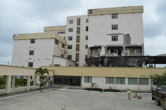Este lunes inicia la demolición del hospital civil de Chone