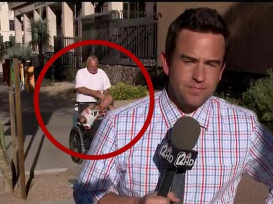 Hacía un reporte en vivo y transmitió una agresión