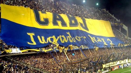 Supuestos hinchas de Boca Juniors son detenidos en Quito con dólares falsos