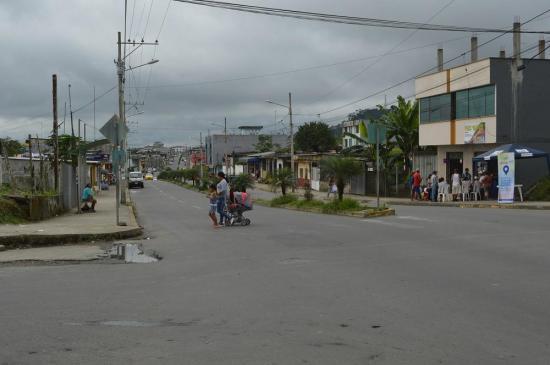 Irrespeto a los peatones en la avenida Bombolí