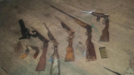 Decomisan armas de fuego en Chone