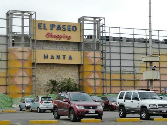 Suspenden trabajos de reconstrucción en El Paseo Shopping de Manta