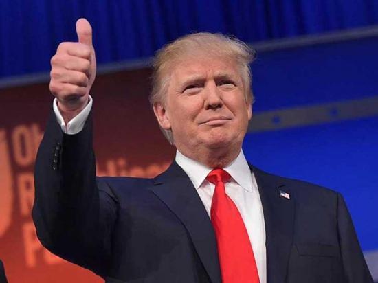 Trump aventaja a Clinton en dos estados, según un nuevo sondeo
