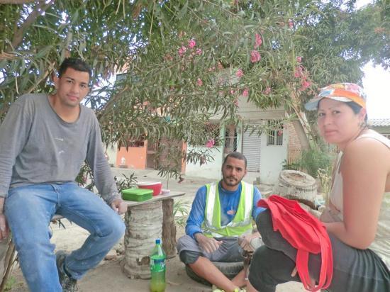 Venezolanos se quedan trabajando en Manta