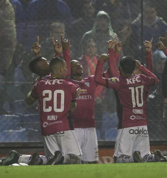 Independiente se pasea en La Bombonera y pasa a la final de Copa Libertadores