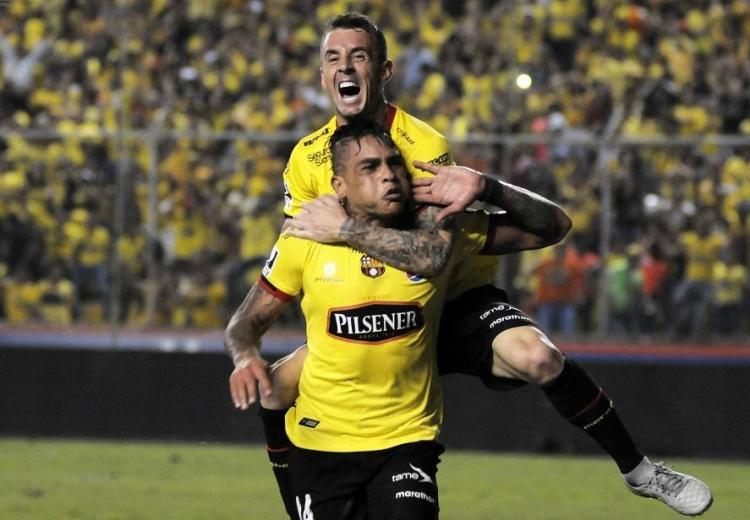 Barcelona SC se aferra al liderato, Emelec cae en Casa Blanca