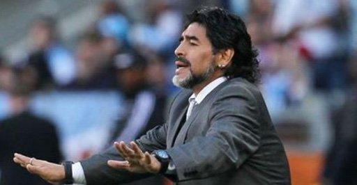 Canal de TV argentino acuerda con Maradona producir una serie sobre su vida