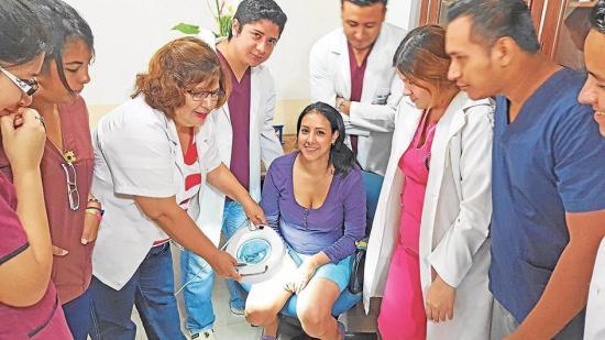 Estudiantes  en jornada médica