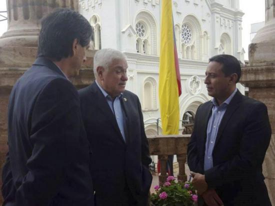 Bahía de Caráquez y Cuenca se hermanan en trabajo posterremoto