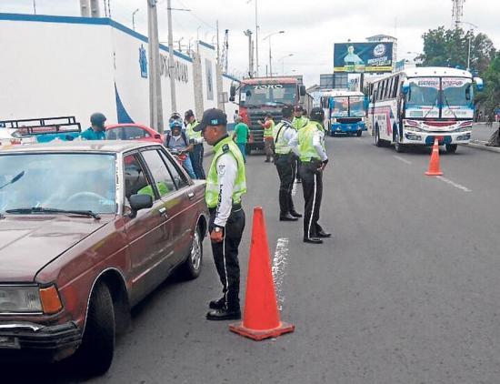 Operativos contra tránsito informal