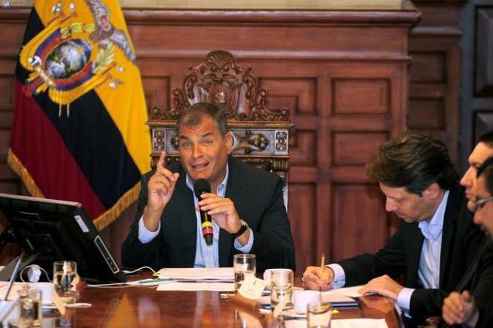 En vigor estado excepción en dos provincias de Ecuador afectada por terremoto