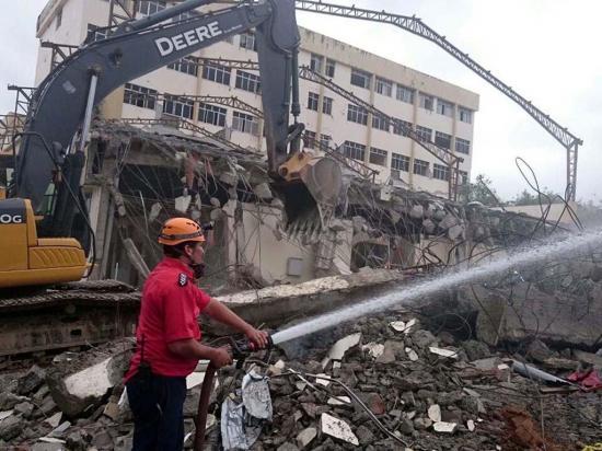 """Inicia demolición del """"Viejo Napo"""""""