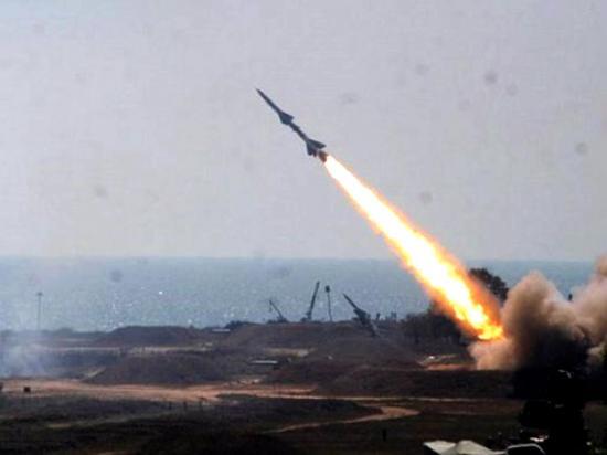 Lanzan tres nuevos misiles