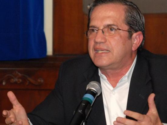 Patiño reitera que se busca justicia en pago de pensiones militares