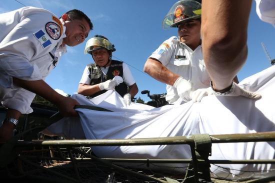 Riña por control de cárcel en Guatemala deja 13 muertos, incluido militar