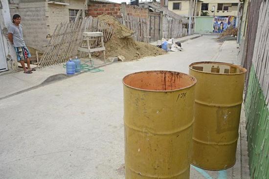 Reclaman por  escasez de agua