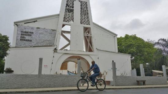 Iglesias sin dinero