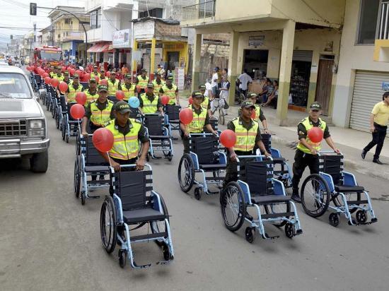 La fundación Vista  para Todos donó  40 sillas de ruedas