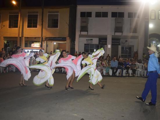 Ritmos montuvios alegran festival